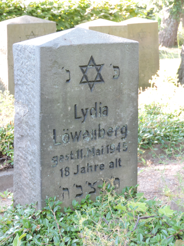 Last resting place of Lydia Loewenberg on the Jewish cemetery in Neustadt in Holstein.