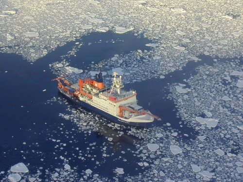 R/V Polarstern in icy seas Eismeer [Photo Credit: Alfred Wegener Institute, Germany]